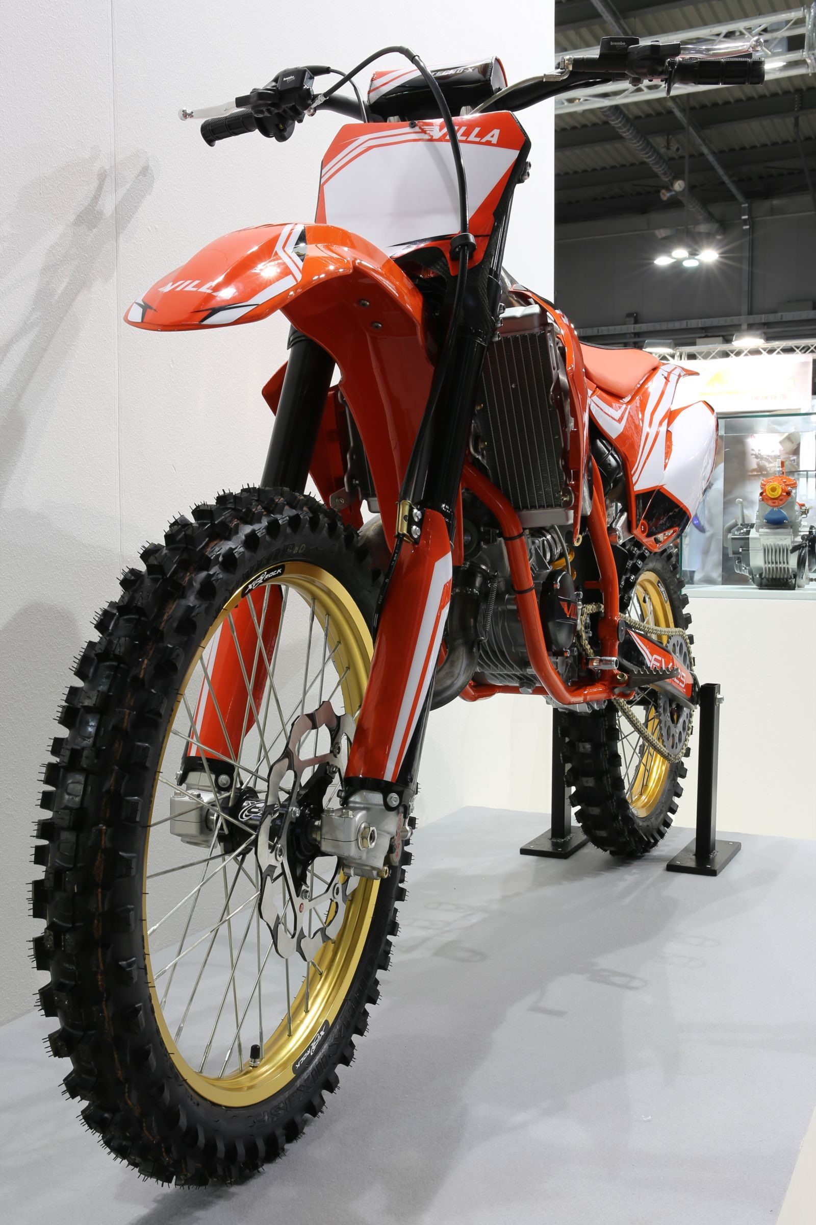 FS 125 front